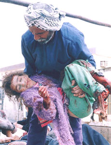 iraq_child_carried_dead_bas.jpg
